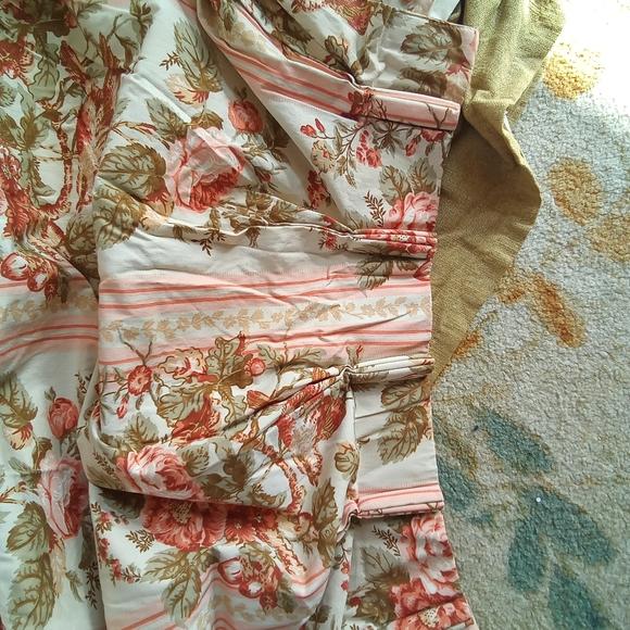 Vintage Floral Curtains / Drapes
